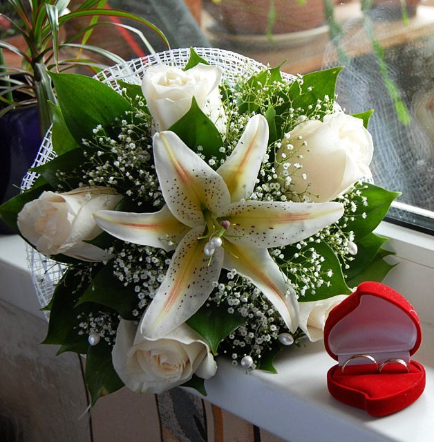 Плэйкаст букеты цветов свадебные